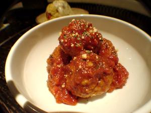 ゆりりずむ♪♪-TOKYO- あかりのお団子コロコロ〜ひと口トマト煮込みハンバーグ〜